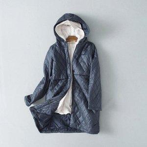 Легкая куртка, отличное качество.