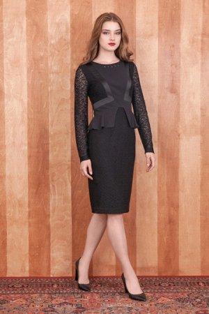 платье Платье прилегающего силуэта из кружевного полотна, полностью на подкладке (96% вискоза, 4% эластан). Средняя часть полочки и пояс выполнены из отделочной ткани. Горловина декорирована пришивным