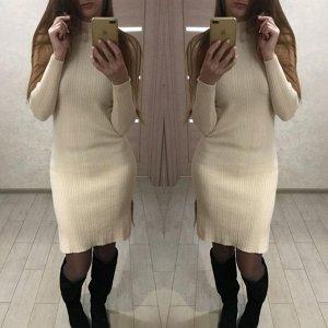 Платье Любимый всеми девушками наряд – платье. Одной из самых необычных его моделей является платье-водолазка. Загадочное, элегантное, сексуальное. Необыкновенно мягкое! Кашемир Размер 44-48 Длина - 9