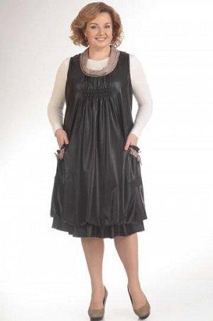 Костюм Костюм Pretty 411 черный  Состав ткани: ПЭ-96%; Спандекс-4%;  Рост: 164 см.  Комплект состоит из блузы и сарафана. Оригинальный в своей простоте сарафан имеет свободный крой, а стяжка на груди