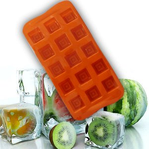Силикон.Для заморозки шоколада, зелени, льда, разных начинок,травяных отваров для лица.