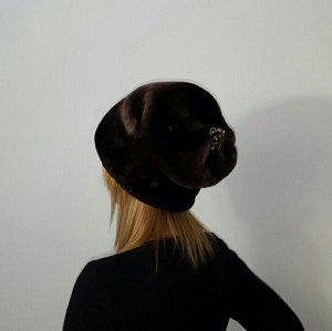Женская шапка из мутона