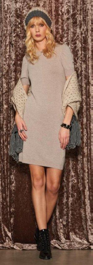 Трикотажное платье из СП Селеб ритис. цвет светло-беж. размер m/l (44-46-48)