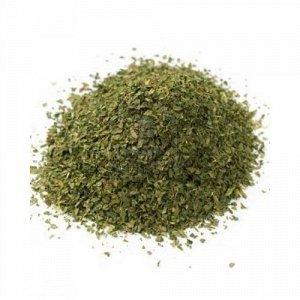 Базилик Базилик – одна из самых универсальных ароматических трав. Он может использоваться как отдельно, так и совместно с другими травами и пряностями, входить в состав соусов и просто украшать блюда.