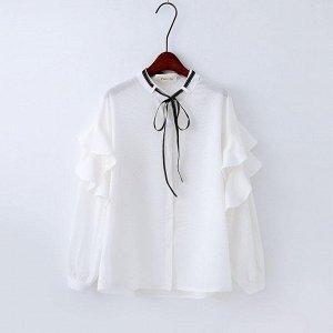 Симпатичная белая блузка