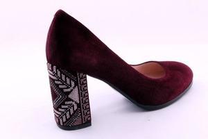 Туфли благородного цвета марсала