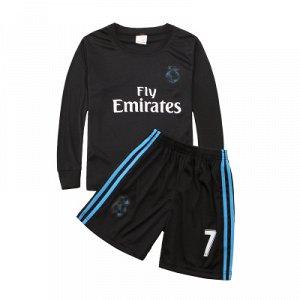 Классный футбольный  костюм в размер