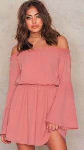 Платье с открытыми плечами и длинными рукавами Цвет: РОЗОВЫЙ