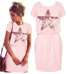 Платье с короткими рукавами декорированное пайетками Цвет: РОЗОВЫЙ