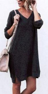 Трикотажное платье с V вырезом на груди и длинными рукавами Цвет: ЧЕРНЫЙ