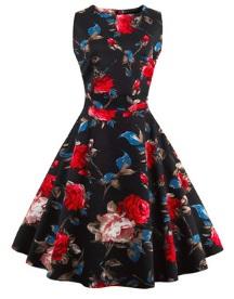 Платье в ретро стиле без рукавов с цветоным принтом Цвет: ЧЕРНЫЙ (КРАСНЫЕ ЦВЕТЫ)