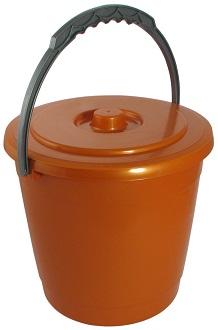 Ведро Ведро 5,0л с крышкой [КОЛОР]. Пластиковые пищевые ведра незаменимы в быту, поскольку являются универсальными емкостями для сбора, хранения, транспортировки воды и продуктов. Материалы, используе