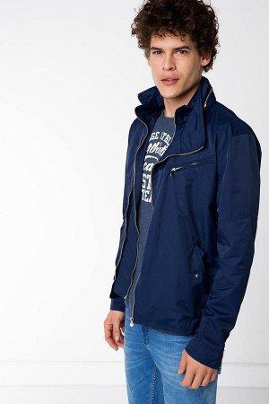 """Куртка Naylon 100% Куртка -косуха тонкая, без утеплителя, с капюшоном (он прячется в """"карман"""" на молнии в воротнике."""