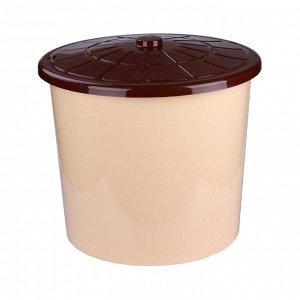 Бак Бак универсальный с крышкой 75л. (бежевый). Размеры изделия: Д / Ш / В 580 / 580 / 500 мм.Бак универсальный с крышкой, изготовлен из безопасного и пищевого пластика,не имеет токсичного запаха, при