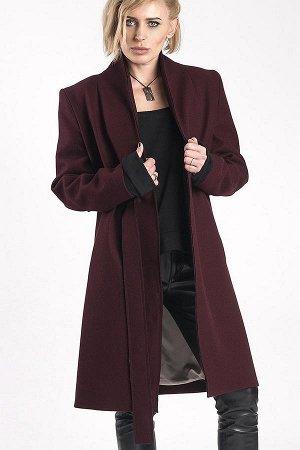 ПАЛЬТО Стильное дизайнерское пальто в стиле «нео-классика».Двубортное,на пришивном поясе,женственный силуэт, разрезы на рукавах,шлица,усиленные надплечники. Пальтовая ткань-шерсть бордового цвета, беж