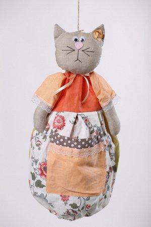 Кошка Высота изделия60-62 см. Состав: Лен 100% Вашему вниманию предлагается добрая и милая кукла, несущая тепло и уют в каждый дом! Это удобный и функциональный контейнер для хранения полиэтиленовых