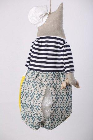 Матроскин Высота изделия60-62 см. Состав: Лен 100% Вашему вниманию предлагается добрая и милая кукла, несущая тепло и уют в каждый дом! Это удобный и функциональный контейнер для хранения полиэтилено