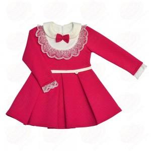 """платье Платье """"Кокетка""""Нарядное платье для маленькой принцессы, выполнено из плотного, выбитого трикотажа- капитония. Отрезная талия, подчеркнутая пояском, расклешенная юбка, контрастный отложной воро"""