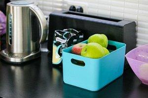 Корзина Корзина БИРЮЗА. Яркие, жизнерадостные расцветки корзин Joy будут заряжать оптимизмом на весь день и добавят нотку индивидуальности в интерьер. Выполненные из прочного пластика изделия отличают