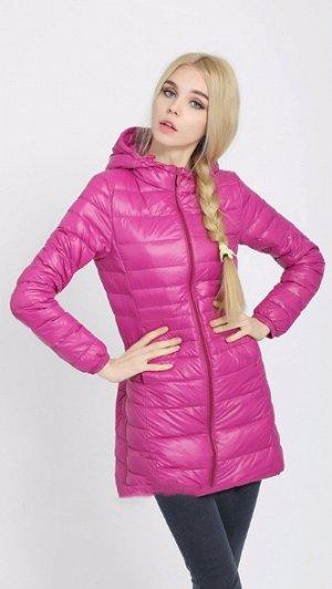Женская удлиненная ультралегкая куртка  С КАПЮШОНОМ, цвет яркая роза