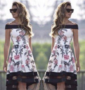 Платье с открытыми плечами и расклешенной юбкой Цвет: НА ФОТО