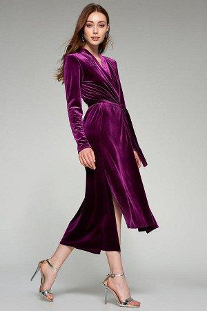 Платье Хорошо на 46-48 не сильно большую грудь) 95% полиестер,5% эластан