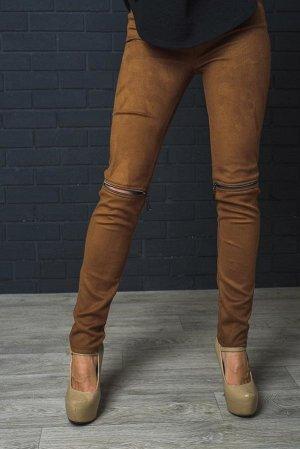 Классные брюки из замши