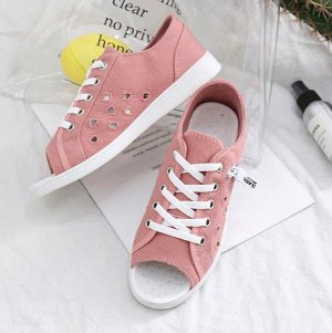 красивые розовые туфельки для новогоднего утренника. не подошли по размеру
