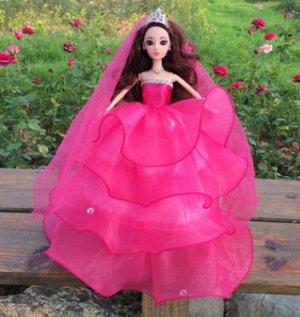 Платье темно-розовое с фатой (без диадемы)