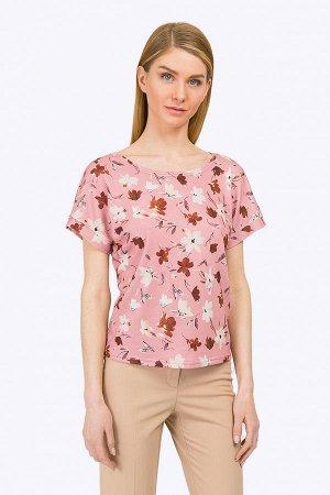 """Блузка ЕМКА Вискоза 70%, Нейлон 25%, Эластан 5%  Свежий летний образ, созданный с помощью этой женственной нежной блузы обязательно привлечет внимание. """"Рисованые"""" кистью цветы на пастельно-розовом фо"""