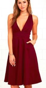 Платье без рукавов с глубоким декольте Цвет: БОРДО