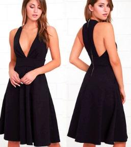 Платье без рукавов с глубоким декольте Цвет: ЧЕРНЫЙ