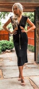 Платье без рукавов с открытым животом и завязками на груди Цвет: ЧЕРНЫЙ