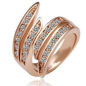 Кольцо Позолоченное розовым золотом 750 пробы (18K Gold Plated) кольцо словно нежные объятия золотых стебельков украшенные супер блестящими австрийскими кристаллами Swarovski Stellux!Цвет золота как