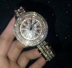 Часы Женские с Ослепительными Камнями