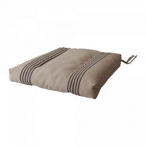 Пристраиваю подушку для стула