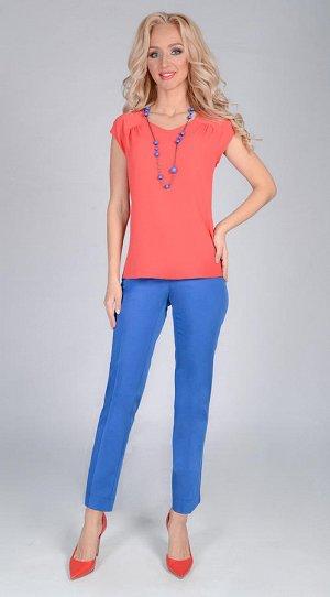 Блузка Базовая блузка яркого цвета из креп-шифона полуприлегающего силуэта с рукавом реглан. Незаменимая вещь в гардеробе современной женщины. Состав: 77% полиэстер, 18% вискоза, 5% эластан. РАЗМЕРНАЯ