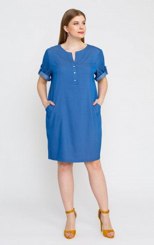 Платье Синий, голубой.  Состав: вискоза 70%, полиэстер 26%, спандекс 4%. Модное платье, с короткими рукавами на хлястике с пуговицей. По бокам расположены карманы. Горловина фигурной формы, от которой