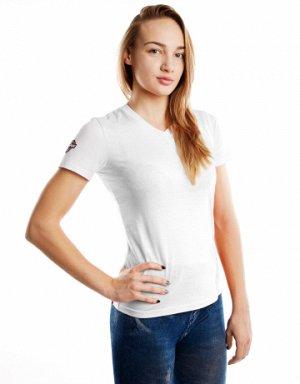Белый Состав: Хлопок - 100% Женская футболка с коротким рукавом. V-образный вырез горловины. Приталенный силуэт.