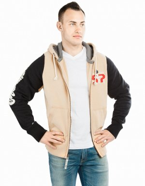 Бежевый Состав: Хлопок - 85%, Полиэстер - 15% Куртка премиум качества. Спереди карманы. Застежка молния металлическая. Капюшон двойной. В капюшоне проходит тесьма. Рукава и низ куртки на двойной резин