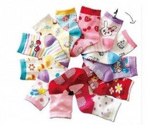 Носки со стопперами для девочек (в ассортименте)