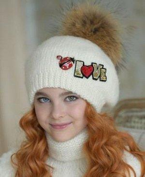Очень красивая качественная тёплая шапочка.