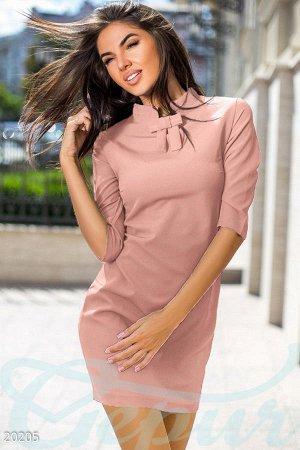 Лаконичное платье-трапеция