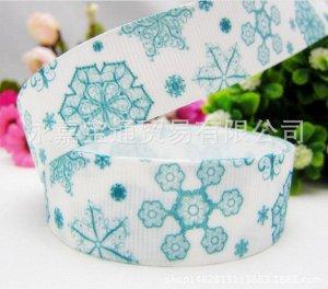Репсовая лента с голубыми снежинками шириной 2,2 см