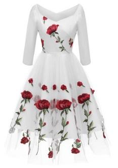 Платье с V вырезом и рукавами 3/4 декорировано цветочной вышивкой Цвет: БЕЛЫЙ