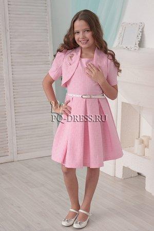 Платье Материал: жаккард Выполнено из однотонной плотной ткани с фактурой «вафли», которая хорошо держит форму. Ткань мягкая и приятная на ощупь. Платье с подкладкой из хлопка. Застегивает