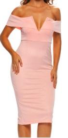 Платье-футляр с глубоким декольте цвет: РОЗОВЫЙ