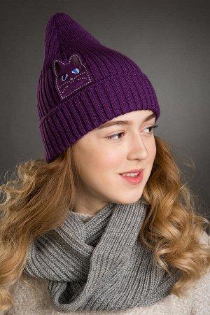 Красивая шапочка цвет бордо