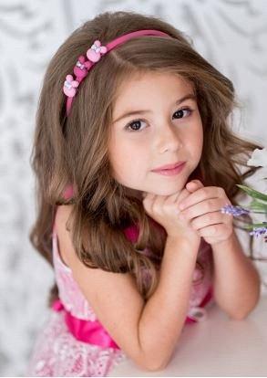 Ободок Ободок с зайчиками мило подчеркнет неповторимость образа маленькой принцессы.