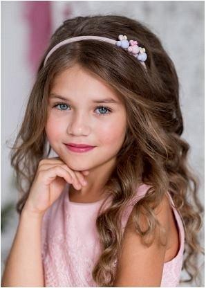 Ободок Ободок с украшением придаст милый образ вашей маленькой принцессе.
